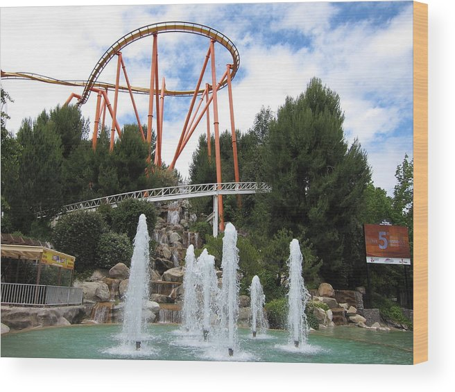 Six Wood Print featuring the photograph Six Flags Magic Mountain - 12124 by DC Photographer