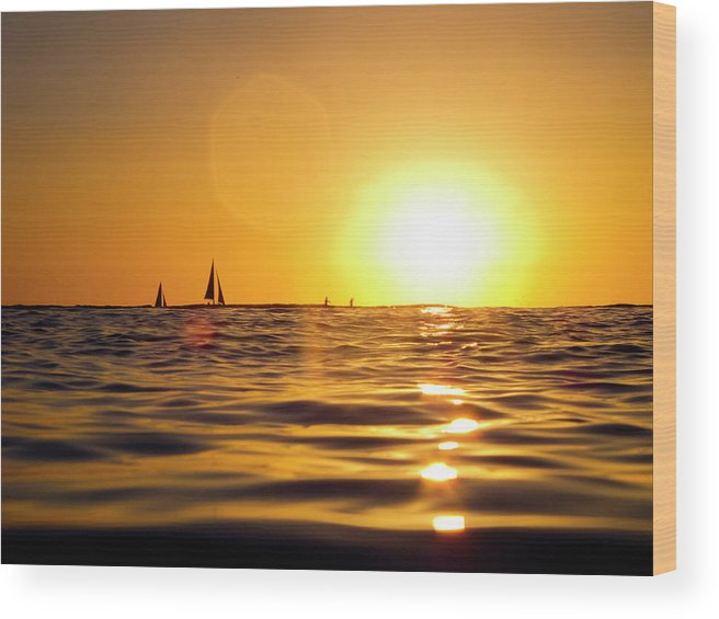Beauty In Nature Wood Print featuring the photograph Sunset Over The Water In Waikiki by Elyse Butler