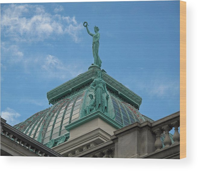 Statue Wood Print featuring the photograph Columbia Atop Memorial Hall by Barbara McDevitt