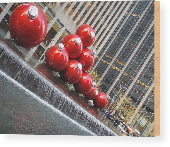Christmas Wood Print featuring the photograph Nyc Christmas by Kimberly Perry