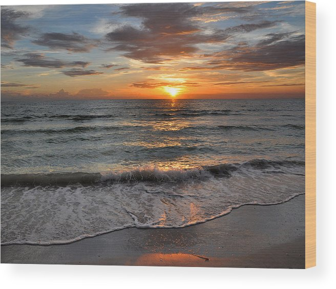 Beach Wood Print featuring the photograph Pass-a-grille Beach Sunset by Rob Fowler