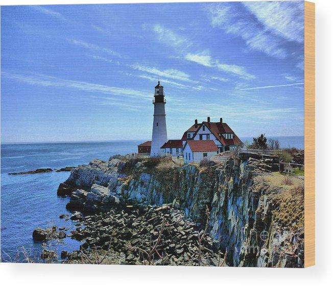 Maine Wood Print featuring the photograph Portlandhead Light by Nancie DeMellia