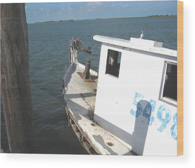 Boat Wood Print featuring the photograph Abandoned Shrimpboat by Wendell Baggett