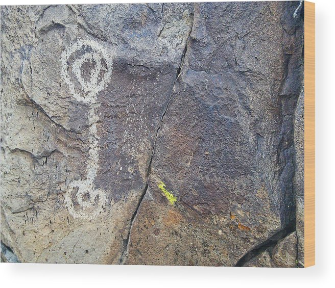 Rock Art Wood Print featuring the photograph Ancient Connections by Jim Thomas