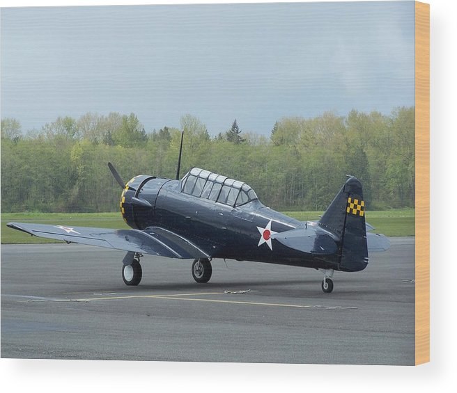 At-6 Wood Print featuring the photograph At-6 Texan by Gene Ritchhart