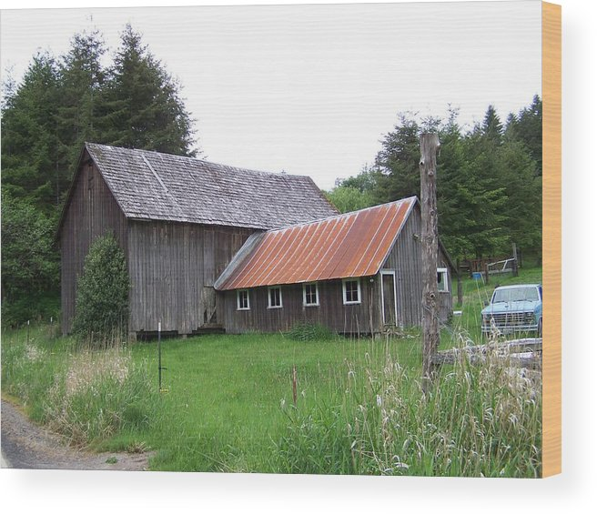 Farm Wood Print featuring the photograph Barn  Washington State by Laurie Kidd