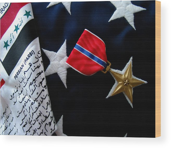 Bronze Wood Print featuring the photograph Bronze Star by Gene Sizemore