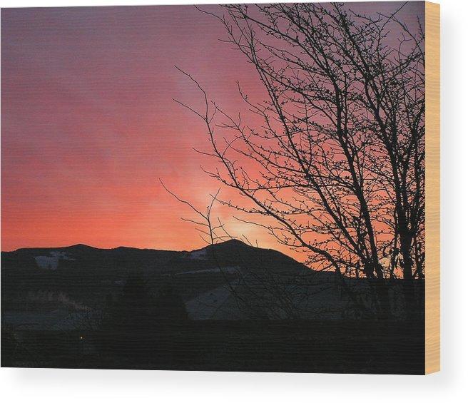 Sunrise Wood Print featuring the photograph Burlington Sunrise by Louise Magno
