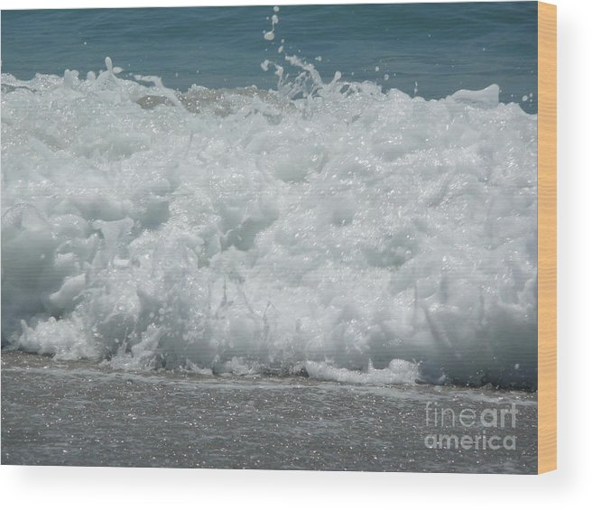 Wood Print featuring the photograph Crashing Waves by Barb Montanye Meseroll