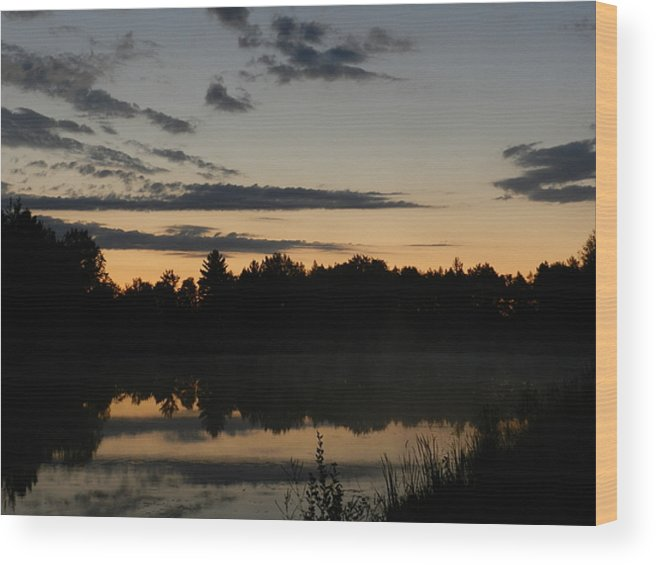 Sunrise Wood Print featuring the photograph Daybreak In Gold by Dennis Leatherman