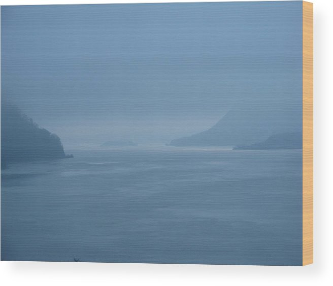 Water Wood Print featuring the photograph Dusk On The Hudson by Staci-Jill Burnley
