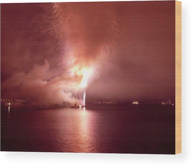 Fireworks Wood Print featuring the photograph Fireworks 20 by Kendall Eutemey