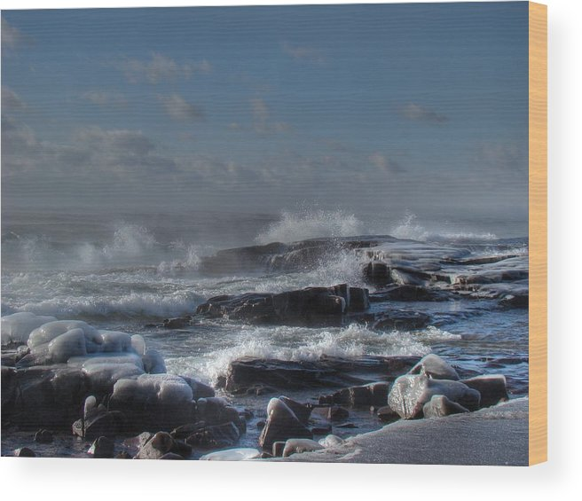 Lake Superior Wood Print featuring the photograph Glistening Sparkle by Tingy Wende