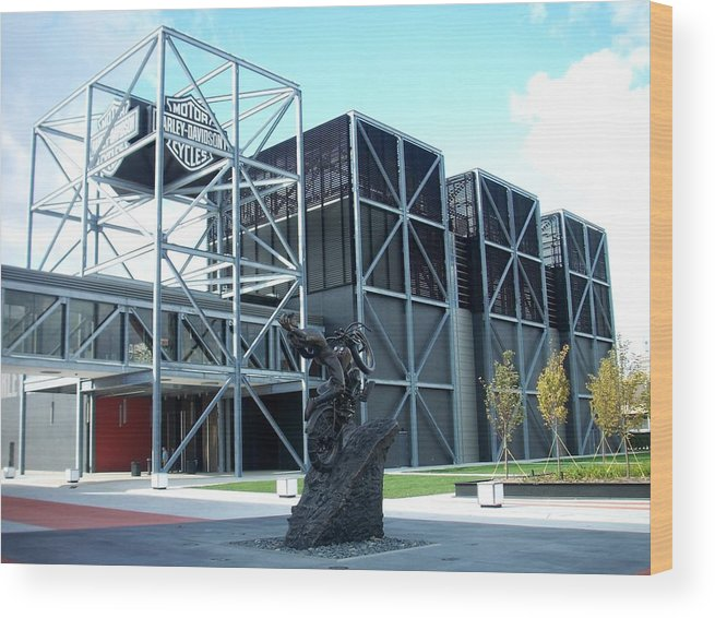 Architechture Wood Print featuring the photograph Harley Museum And Statue by Anita Burgermeister