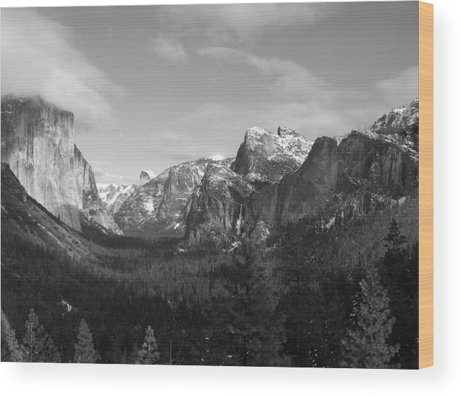Yosemite Wood Print featuring the photograph Inspiration Point by Travis Day