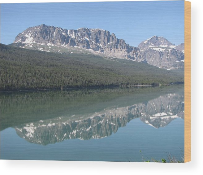Glacier Wood Print featuring the photograph Lake Sherbourne by Tammy Crawford