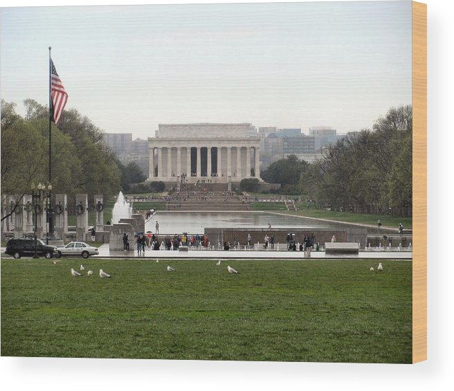 Lincoln Memorial Wood Print featuring the photograph Lincoln Memorial by Camera Candy