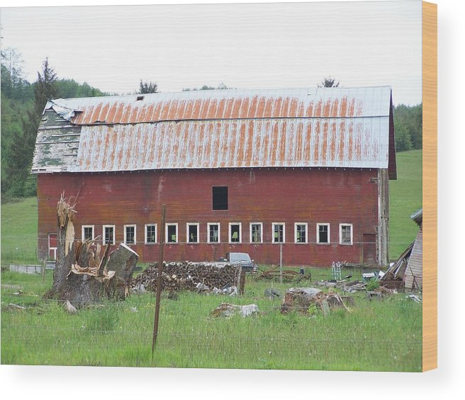 Barn Photos Wood Print featuring the photograph Many Windowed Barn Washington State by Laurie Kidd