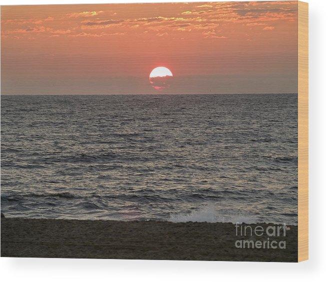 Sunrise Wood Print featuring the photograph Ocean City Sunrise by Andrew Kazmierski