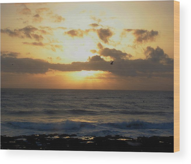 Sea Wood Print featuring the photograph Pacific Sunset I by Jim Bachmeier