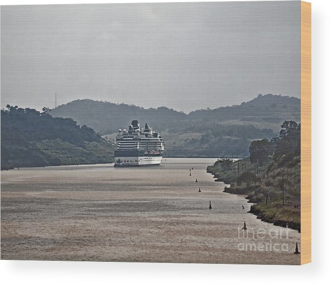 Boat Wood Print featuring the photograph Panama057 by Howard Stapleton