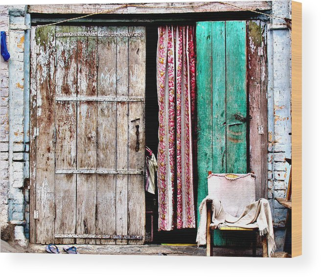 Door Wood Print featuring the photograph Rishikesh Door by Derek Selander
