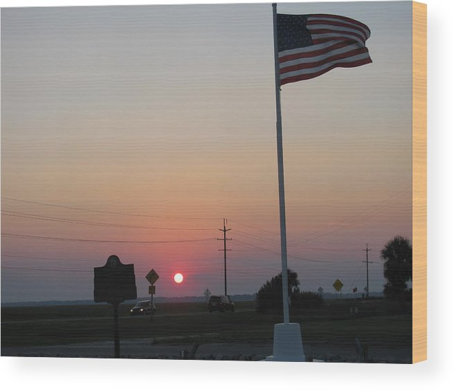 Wood Print featuring the photograph Setting Of Old Glory by Tyrone Spann