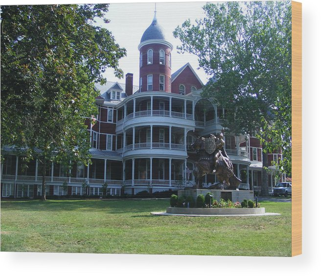 Buena Vista Wood Print featuring the photograph Southern Virgiinia College by Eddie Armstrong