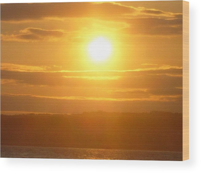 Sunet Wood Print featuring the photograph Sunset On The Horizon 5 by Sharon Stacey