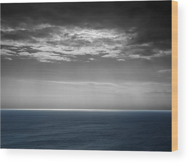 Sky Wood Print featuring the photograph Tarraco by Roberto Alamino