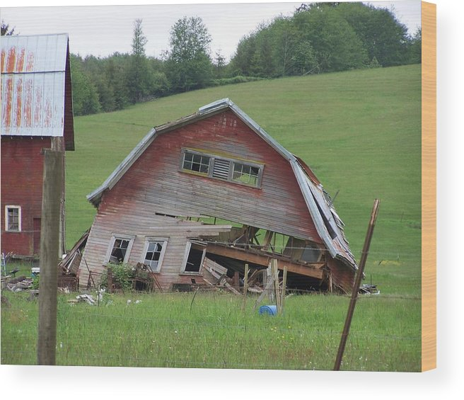 Barn Photos Wood Print featuring the photograph Tired Old Barn Washington State by Laurie Kidd