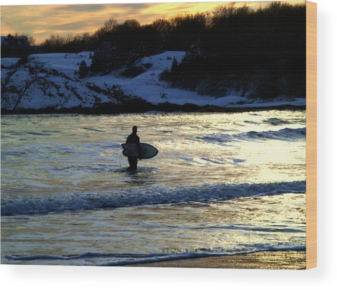 Winter Wood Print featuring the photograph Winter Surfing by Heidi Kummer