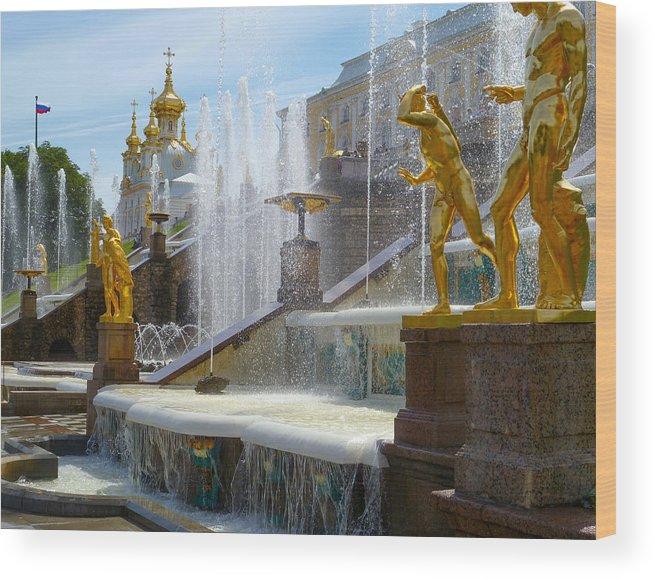 Peterhof Palace Wood Print featuring the photograph Peterhof Palace Fountains by David Nichols