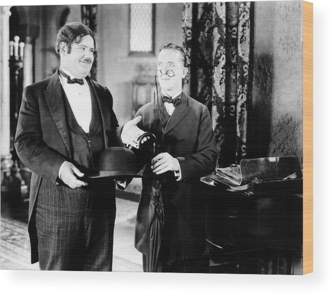 1920s Movies Wood Print featuring the photograph Sugar Daddies, From Left Oliver Hardy by Everett