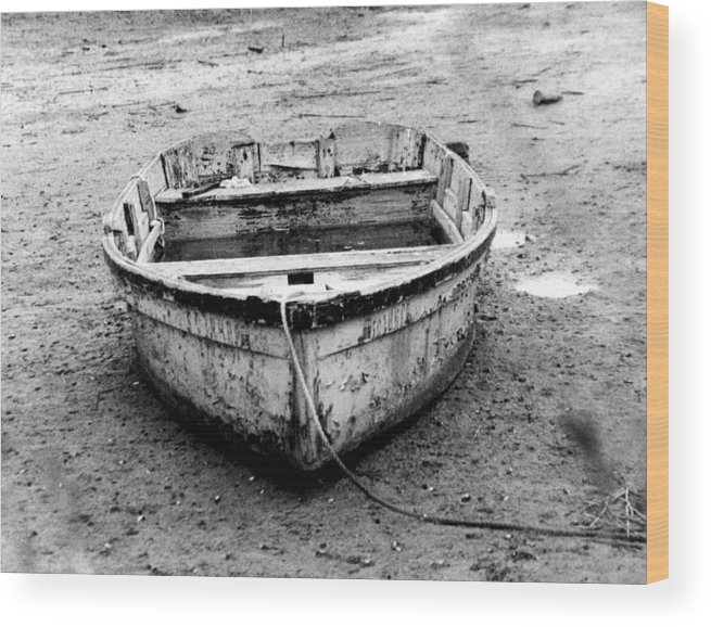 Boats Wood Print featuring the photograph Low Tide II by Jean Wolfrum