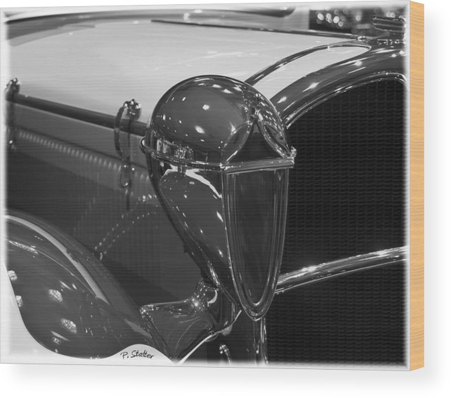 Headlight Wood Print featuring the photograph Alien by Patricia Stalter