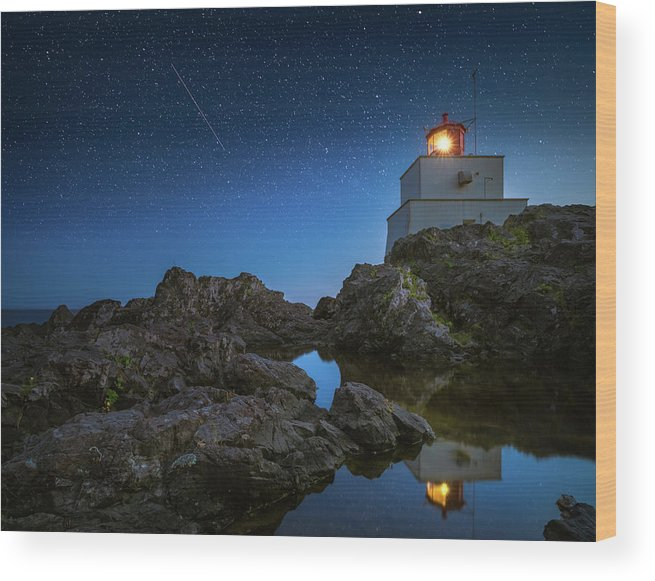America Wood Print featuring the photograph Amphitrite Point Lighthouse by William Freebilly photography