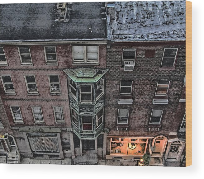 Downtown Wood Print featuring the photograph Downtown Philadelphia Building by Anthony Rapp