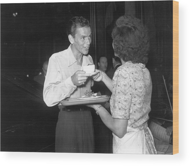 Singer Wood Print featuring the photograph Sinatra In London by Express Newspapers