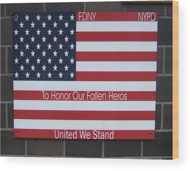 Us Wood Print featuring the painting Honor Fallen Heroes by Rosie Brown