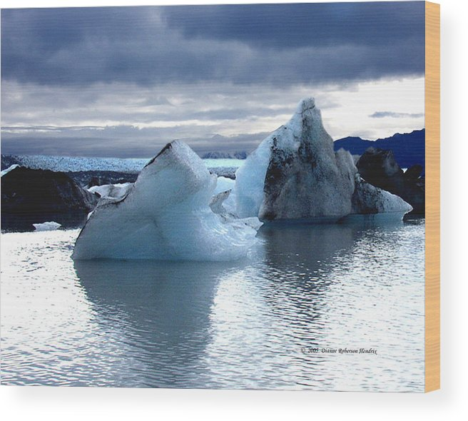 Ice Wood Print featuring the photograph Knik Glacier Icebergs by Dianne Roberson