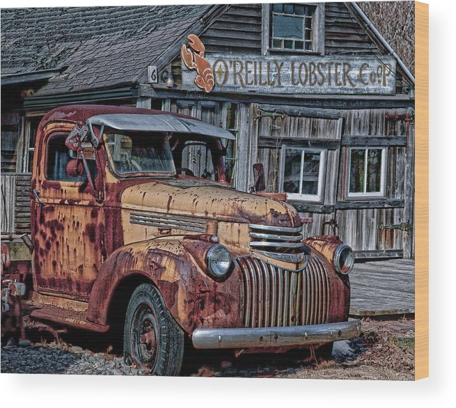 Maine Wood Print featuring the photograph O'reilly Lobster Pound by Gary Shepard