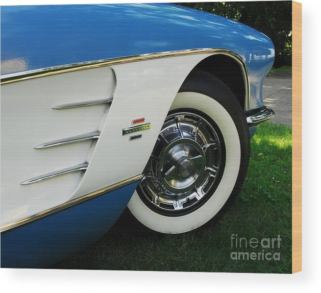 In Car Love Wood Print featuring the photograph In Car Love by Mel Steinhauer