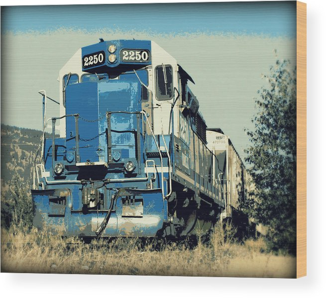 Train Wood Print featuring the photograph Gilpin 1700 Hours by Dorothy Hilde