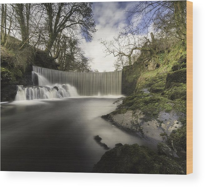 Horseshoe Falls Wood Print featuring the photograph Horseshoe Falls by Kevin Porter