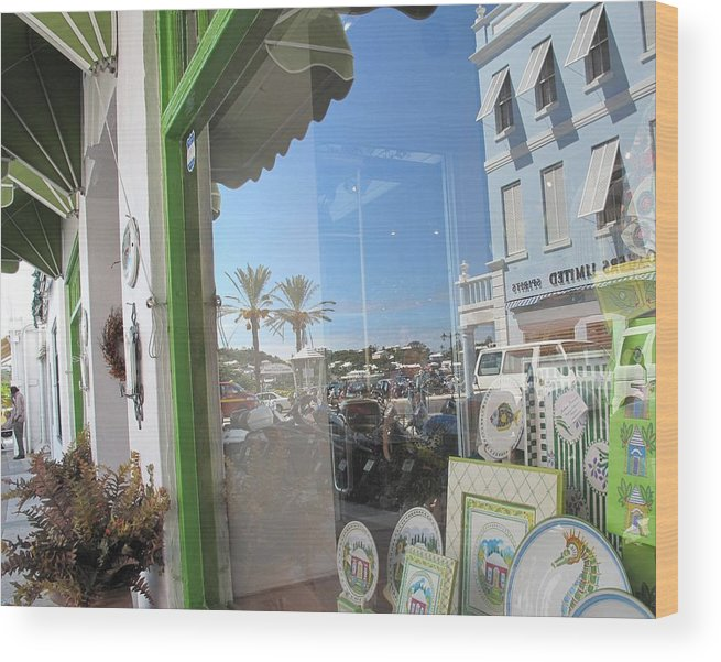 Bermuda Wood Print featuring the photograph Bermuda Reflections And Contrasts by Ian MacDonald