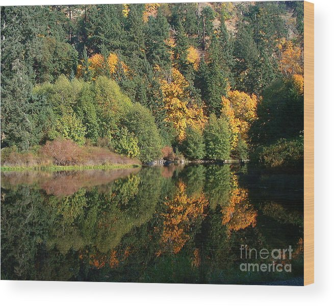 Fall Wood Print featuring the photograph Final Reflection by Larry Keahey