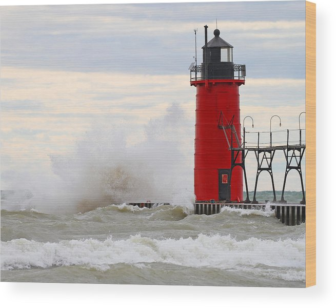 Lighthouse Wood Print featuring the photograph South Haven Lighthouse by Mike Dickie