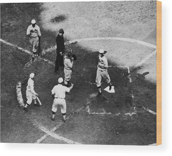 St. Louis Cardinals Wood Print featuring the photograph High & Watkins Come Home by Hulton Archive