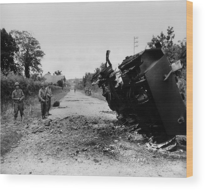 History Wood Print featuring the photograph Destroyed U.s. Tank At La by Everett